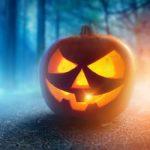 Uitdagende Halloween kleurplaat voor volwassenen