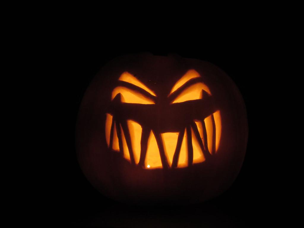 Halloweenpompoen in het donker (versie 2013)