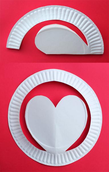 hartjeshoed van een papieren bordje