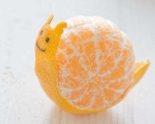 Maak een slakkie van een mandarijntje