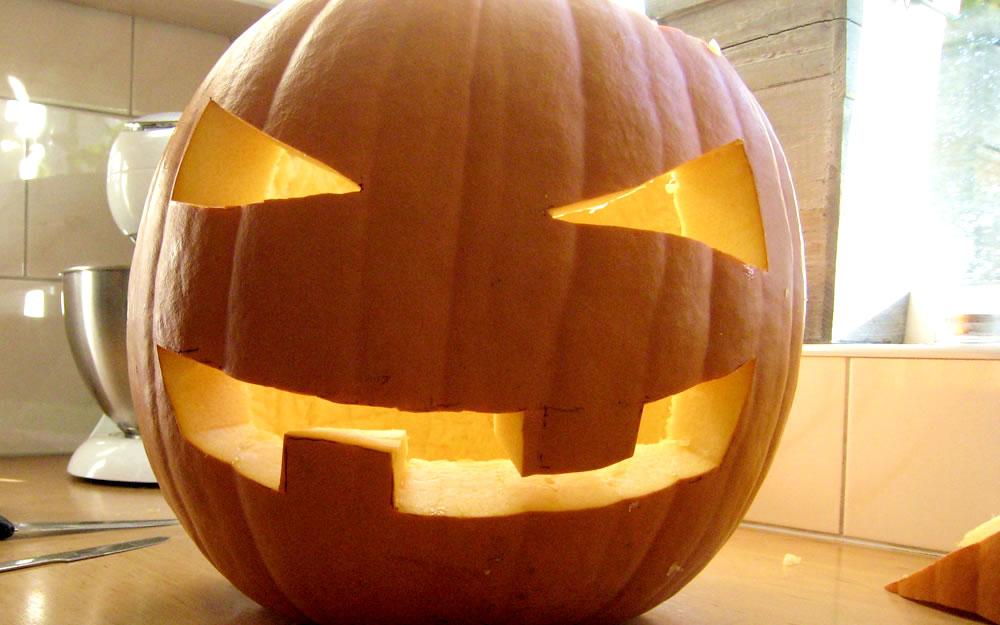 New Stappenplan voor een halloweenpompoen | Leuk voor kids @AZ11