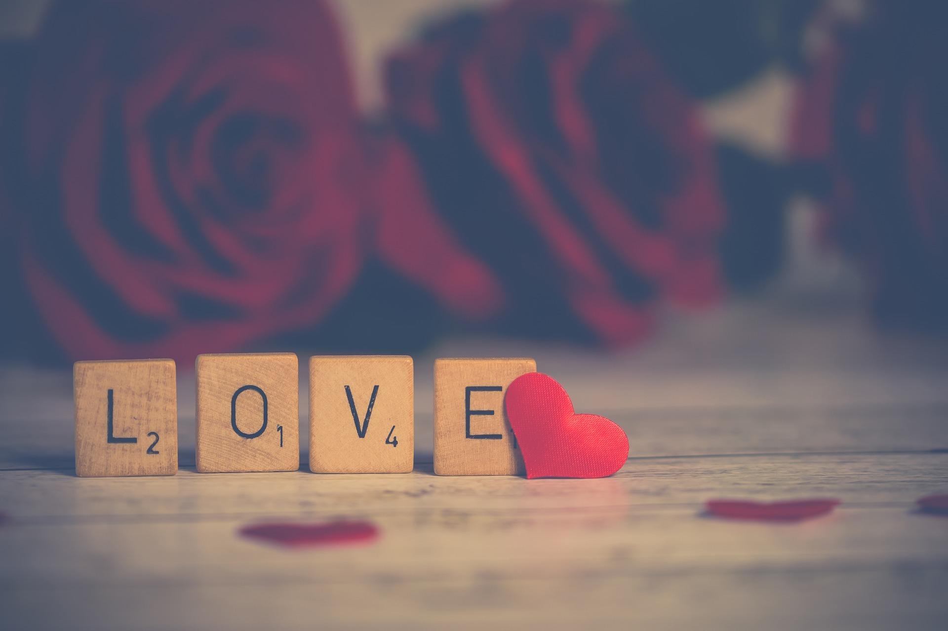 download wallpaper: Scrabble LOVE wallpaper